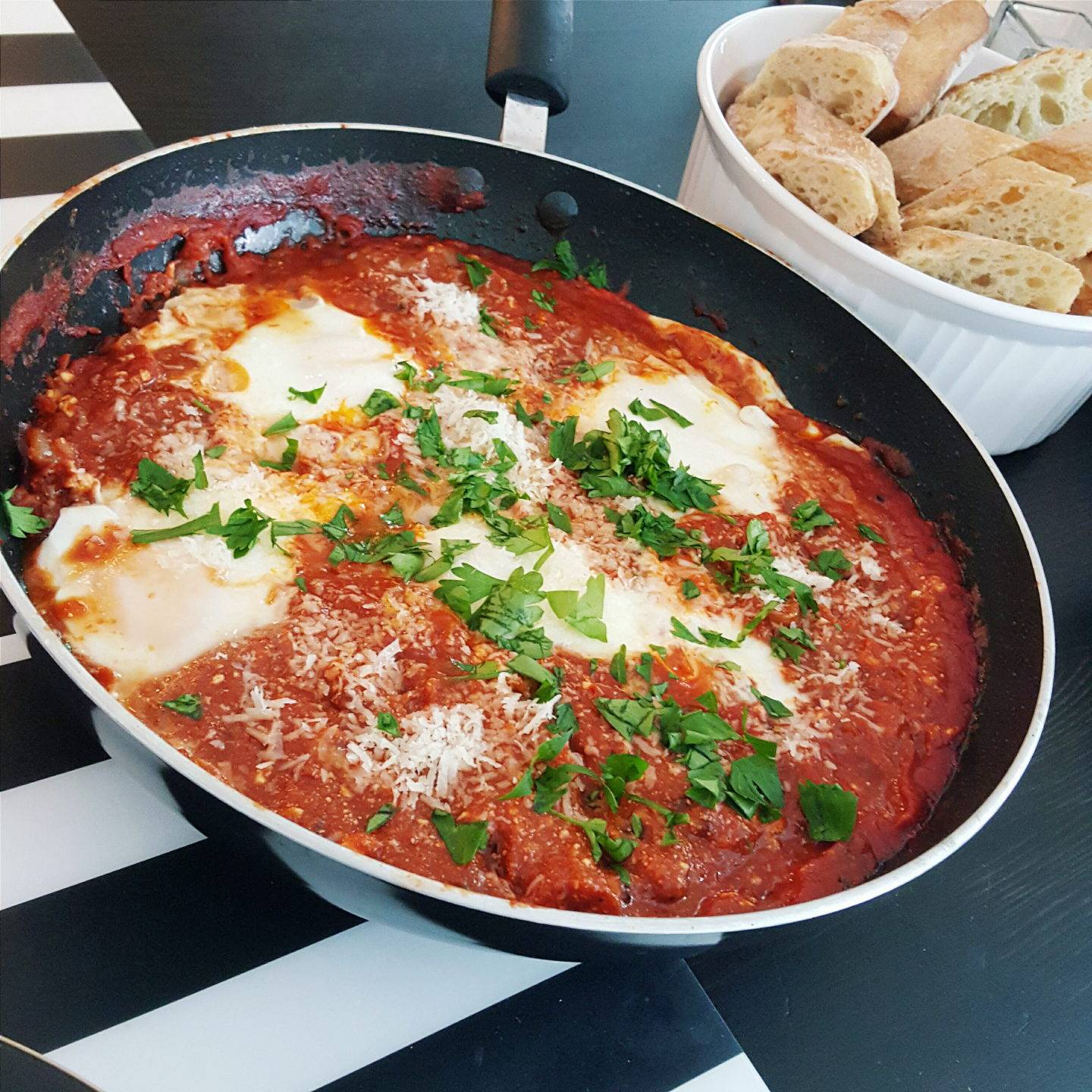 In the Kitchen : Spicy Eggs in Purgatory